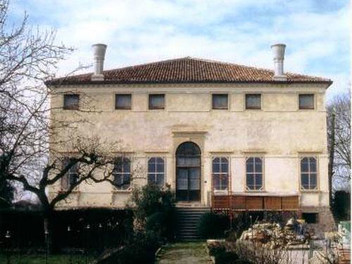 Restauro Di Villa Bruni A Megliadino San Vitale (XVI-XVII Sec.)